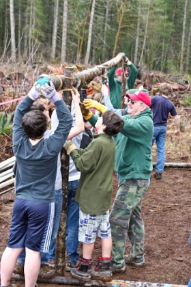 boy scouts preparing tent for tree plant day (5)