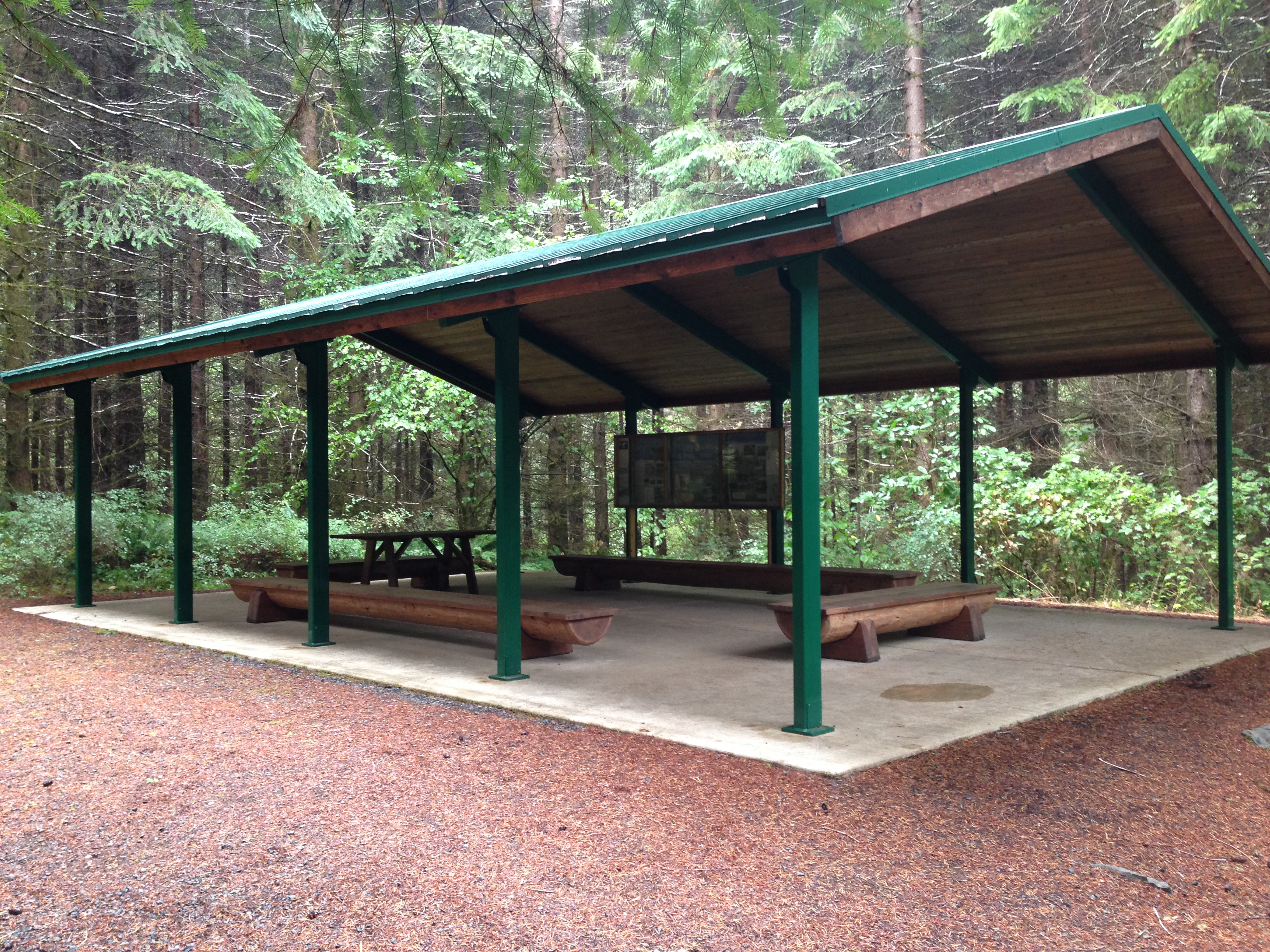 Students can have lunch in our covered shelter